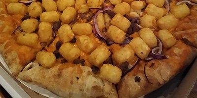 Tater Tot Hotdish Pizza
